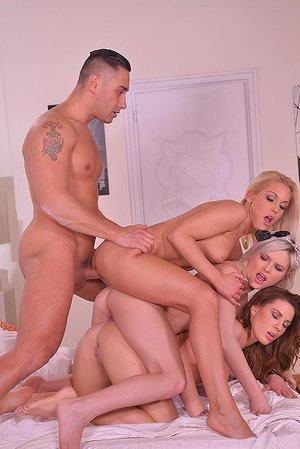 Every mans Fantasy - Steamy Hook-up with Wifey and 2 Bitches